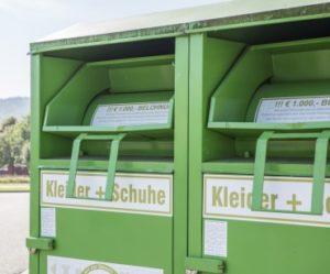 Stellplatzgeber Altkleidercontainer
