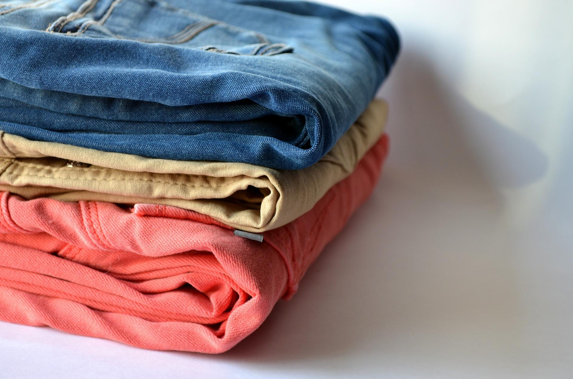 Ausgaben: Hosen und T-Shirts in Top 10