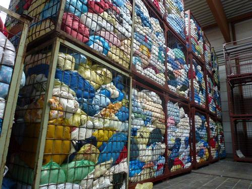Altkleidermarkt: Lager gut gefüllt, Markt stabil – Jetzt Container aufstellen!