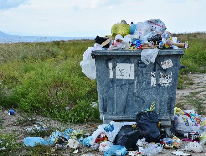 Mülltrennung: Kaum Fehlwürfe bei Altkleidern